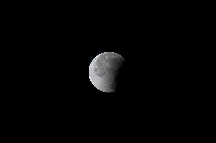 moon-1210-7.jpg